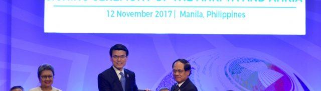 香港とASEANの自由貿易協定と投資協定の調印式(写真:政府新聞処)